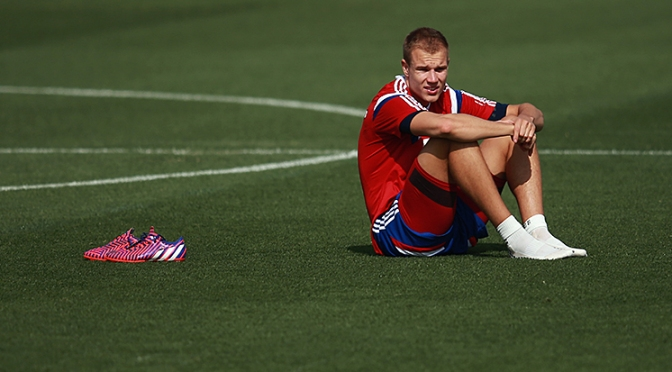 Badstuber's injury curse continues, out for at least three months